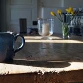 Een eiken eettafel in je duurzame keuken
