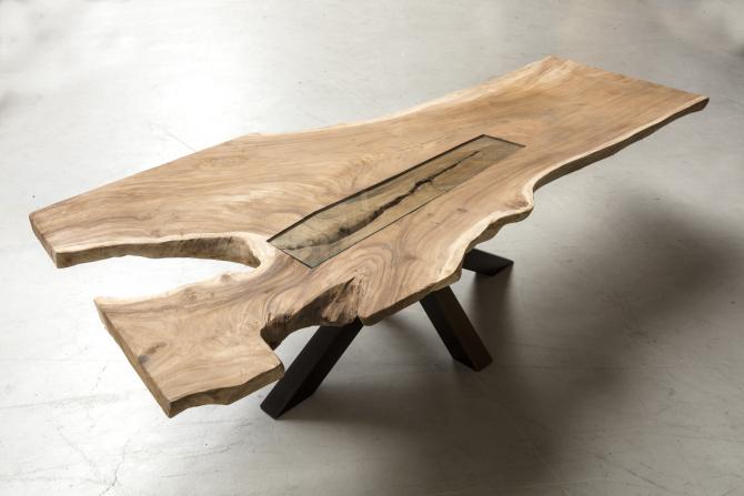 https://www.debeterewereld.nl/wp-content/uploads/2015/10/Robinia-houten-tafel-van-Houwelingen-Interieur-05102015-007-e1445611567718.jpg