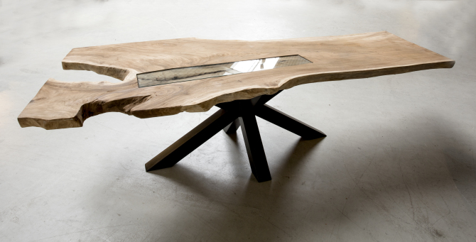 https://www.debeterewereld.nl/wp-content/uploads/2015/10/Robinia-houten-tafel-van-Houwelingen-Interieur-05102015-016-e1445611855481.jpg